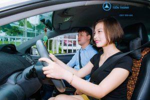 học viên học lái xe ô tô tại quận 3