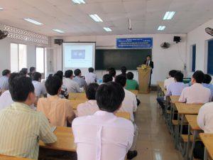 phòng học lý thuyết tại trường dạy lái xe Bình Chánh - Tiến Thành